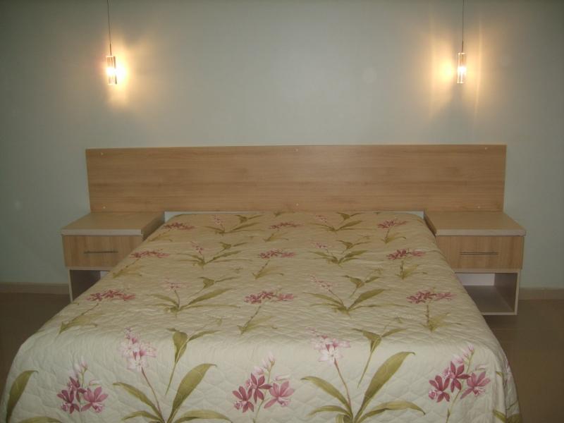 Foto cabiceira de cama painel em mdf rovero chiaro e 2 criado - Cabecero de cama con fotos ...