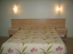 Cabiceira de cama painel em mdf rovero chiaro e 2 criado