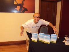 Adquira os livros motivacionais do professor isaac martins, visite o site www.motivacaototal.com.br