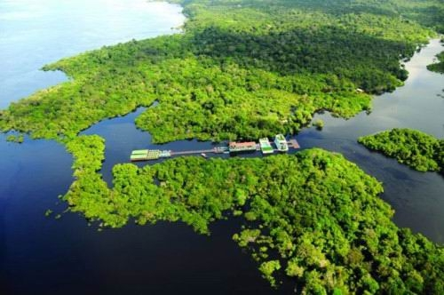 Encontro das Águas em Barco Climatizado