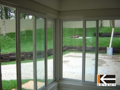 Vista interna das janelas de pvc de canto.