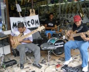 Musicom Instrumentos Musicais - Cal�ada